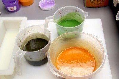 mixing in soap colorants