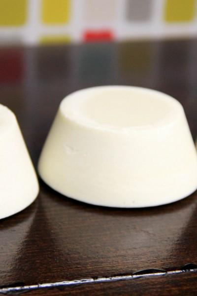 How to Make Baby Soap: Buttermilk Bastille Baby Bar (Buttermilk Powder + Zinc Oxide)