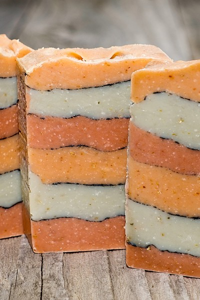 How to Make Tallow Soap – Layered, Pencil Line Design with Natural Soap Colorants