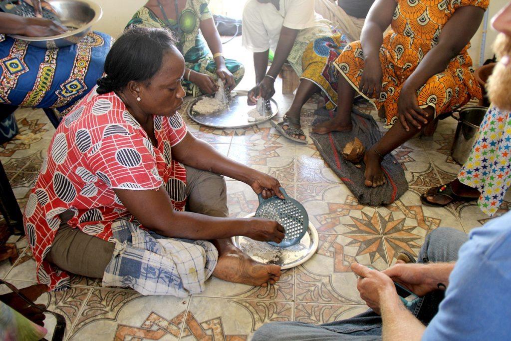 grating coconuts in senegal
