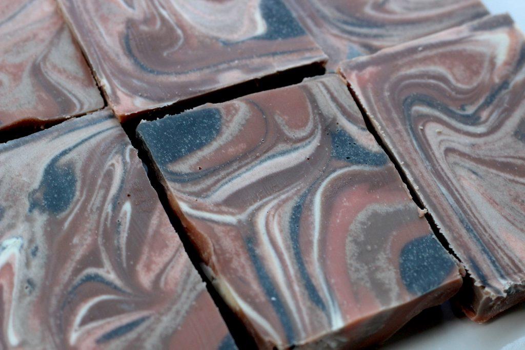 wood-grain-soap-design