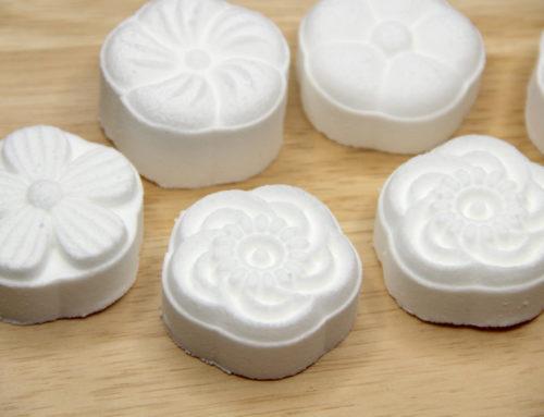 Easy Bath Bombs (Bath Fizzies) Using a Moon Cake Mold Press